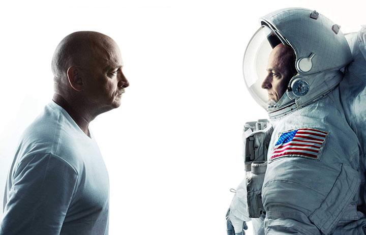 Gdy Scott Kelly przez rok pracował na Międzynarodowej Stacji Kosmicznej jego brat - również astronauta - poddawany był identycznym testom, by jak najlepiej poznać wpływ długotrwałego przebywania na orbicie na stan organizmu człowieka. Źródło: NASA